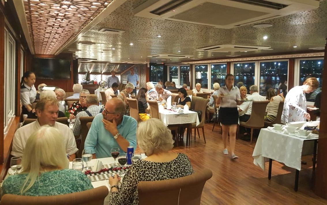 royal-yacht-restaurant-lunch